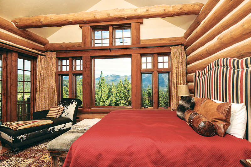 [photo-2420909]-Master-Bedroom