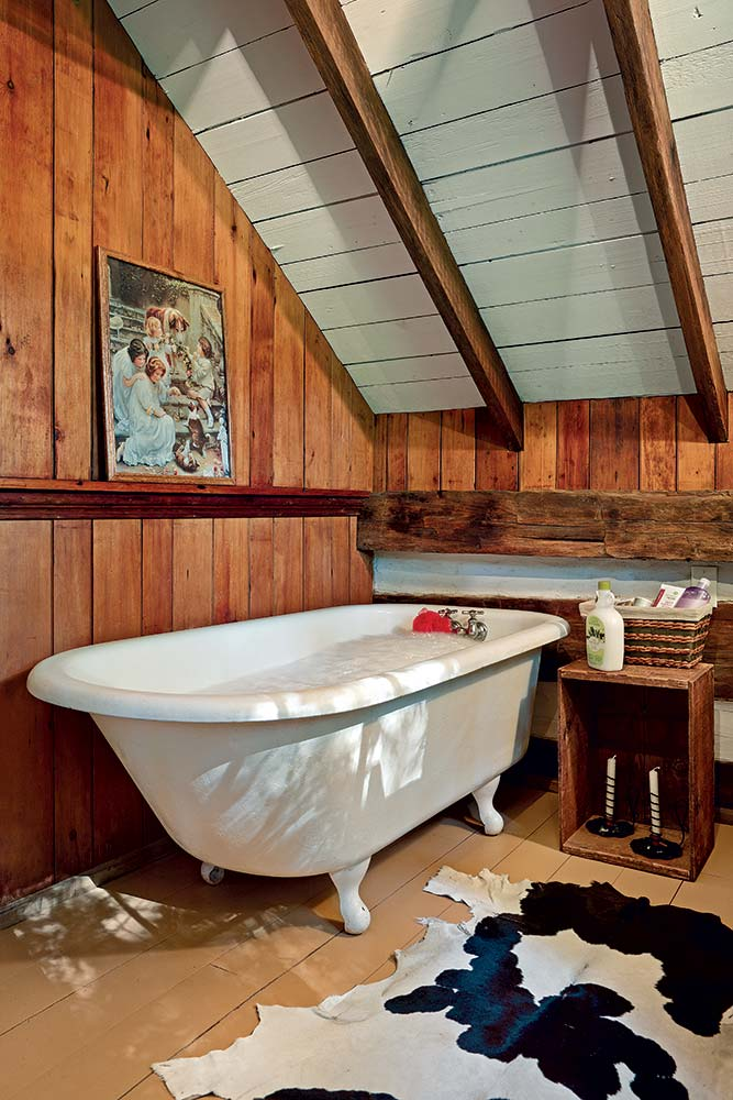 The claw foot tub is original to  the cabin and only needed some polishing to be ready for guests who come to the cabin to unwind.