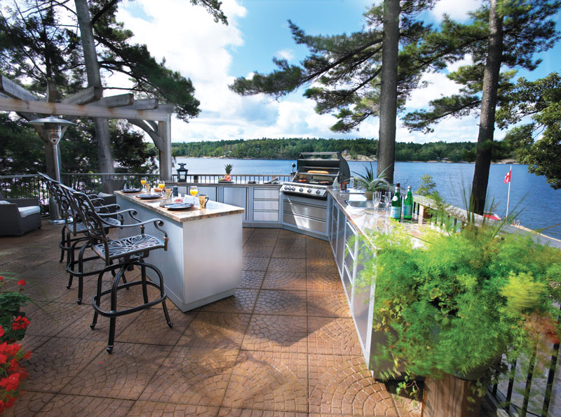 outdoor kitchen water on the lake