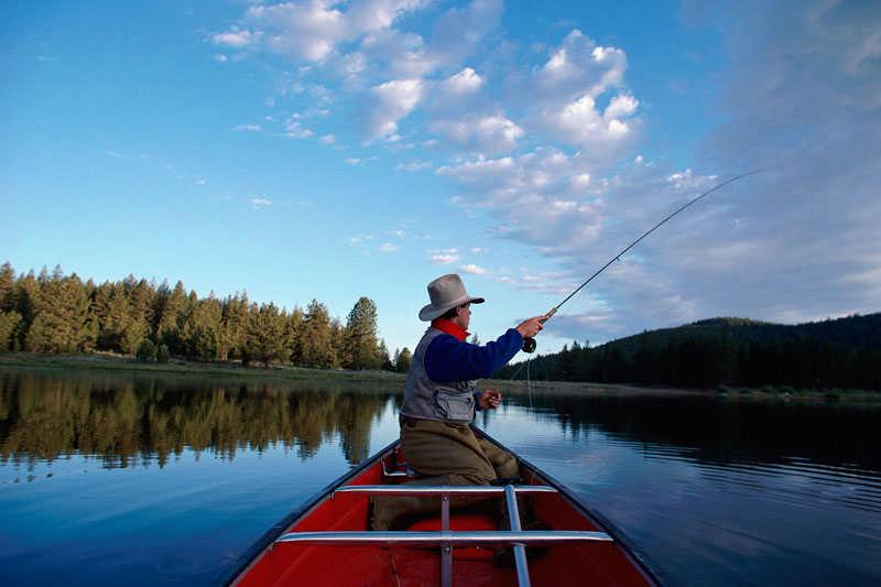 CBN-D0413_man-fishing