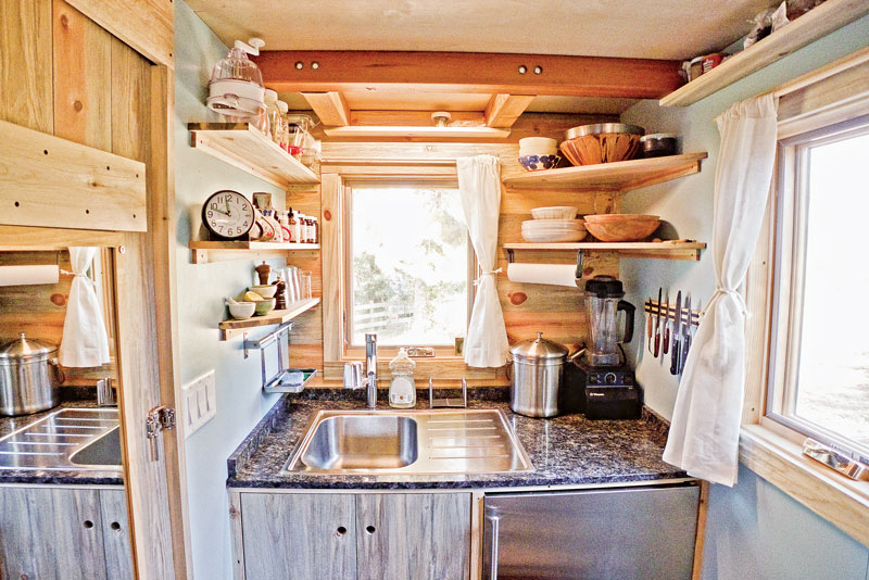 small cabin kitchens rh cabinlife com Small Lake Cottage Kitchen Ideas Cottage Style Kitchen Ideas