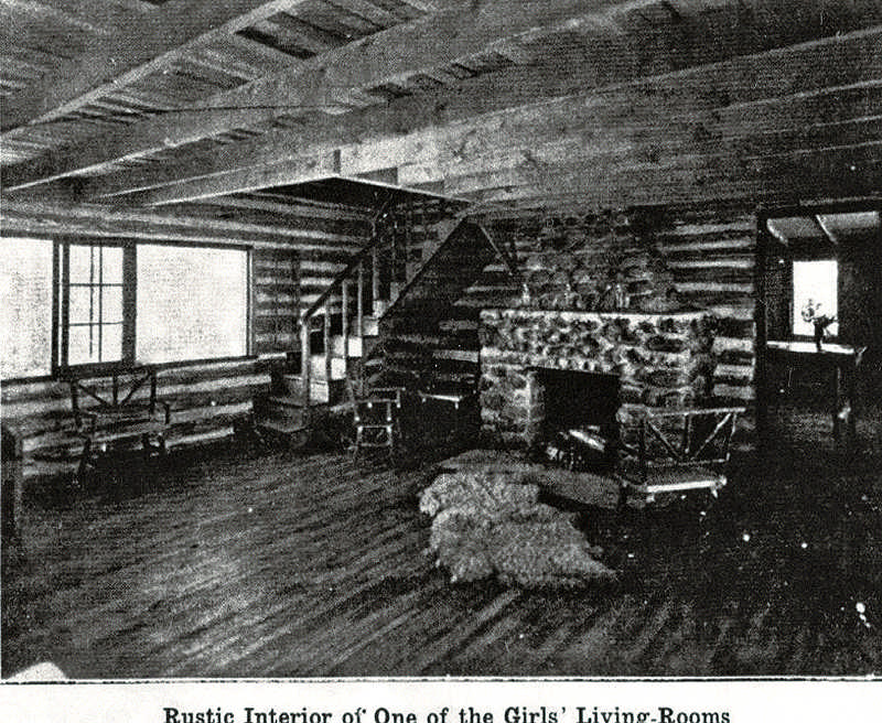 living-room-white-pine-cabin