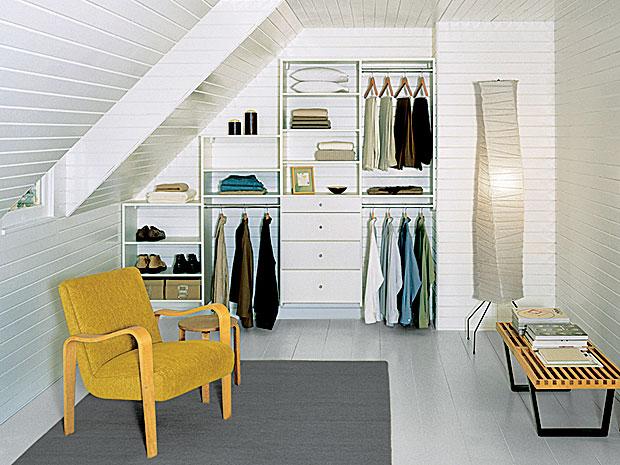 bedroom-smallspace-reach-in-closet-classic-white