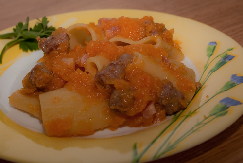 Paccheri con zucca, salsiccia e pancetta