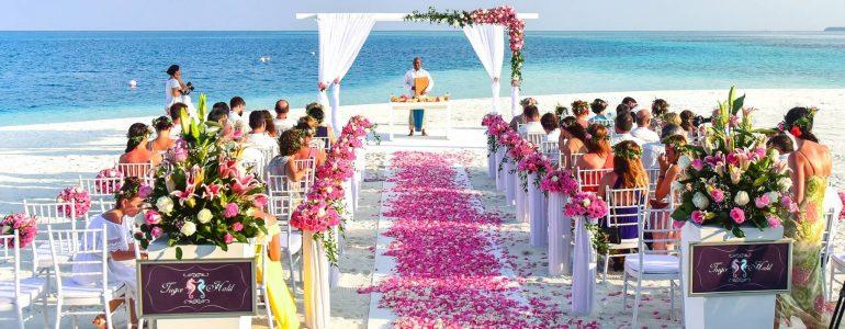 bodas-destino-como-vestirse-consejos-para-invitados