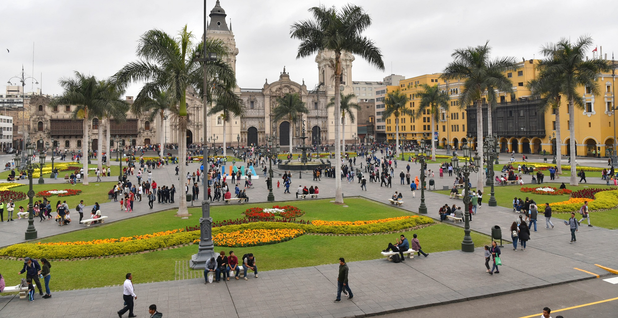 discover-lima-with-manto