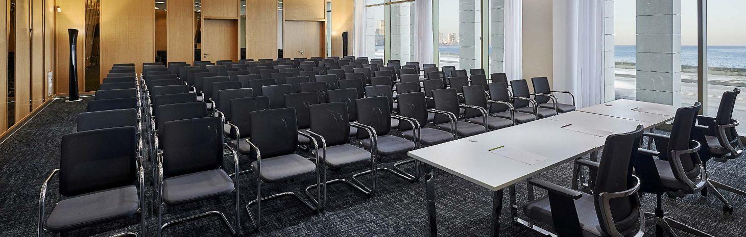 malecon-meeting-room
