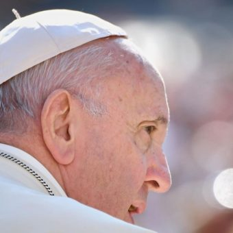 What does the document which asks for Pope Francis' resignation say