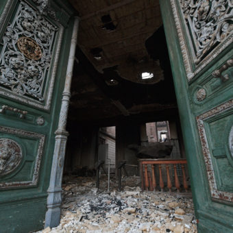 Over National Museum's ashes, Brazilians express both sorrow and revolt