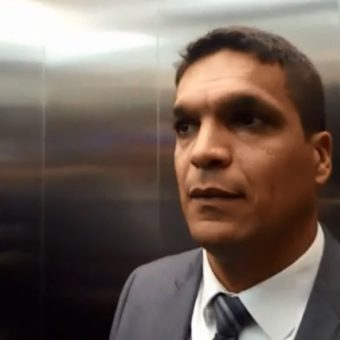 Daciolo goes live in the elevator and proves: campaigns are cooler on the internet