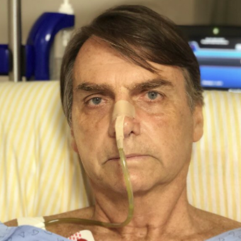 A weakened Bolsonaro speaks for the first time about the attack and the electoral scenario