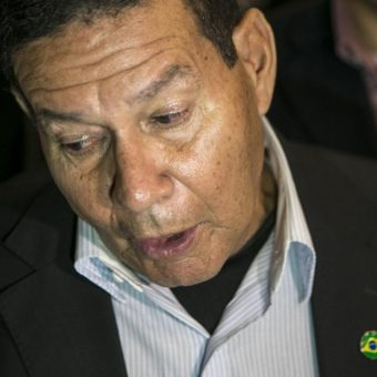 Social media goes nuts every time General Mourão speaks