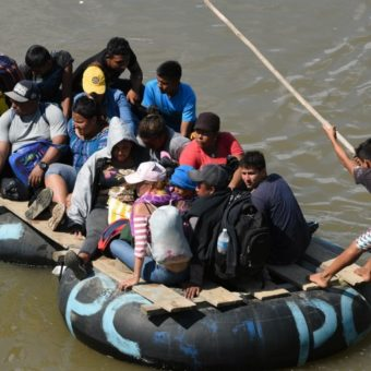 Trump vows to reduce aid to Guatemala, Honduras and El Salvador as migrant caravan grows