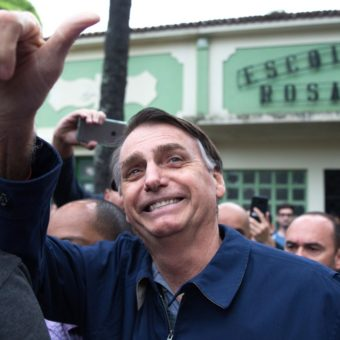 Barbecue and live music: vibe in Bolsonaro's campaign is that of an anticipated party
