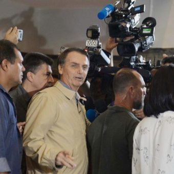 Politicians' pilgrimage to Bolsonaro's house sets an optimistic tone in the elections' final stretch