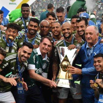 Jair Bolsonaro celebrates Palmeiras's tenth national championship
