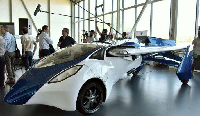 Flying car may reach Brazil with the cost of two Ferraris