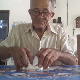 "With a show of persistence, elderly man is a hit on YouTube making slime: ""My dream came true"""
