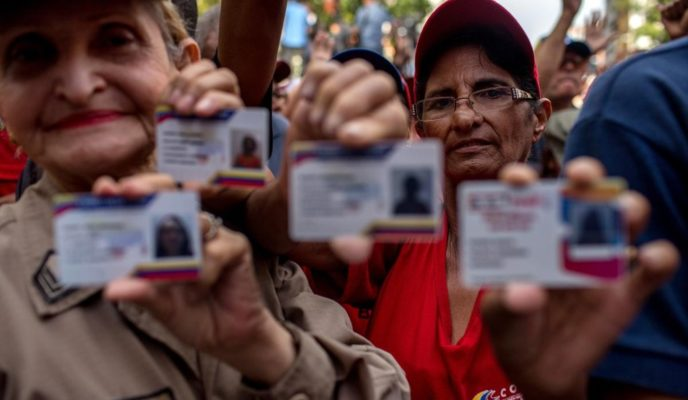How Maduro's regime is using a social card to maintain control over the population
