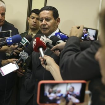 Mourão causes uneasiness in the government and raises question: is he Bolsonaro's friend or foe?