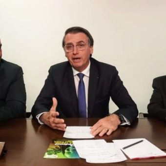 Bolsonaro starts weekly broadcastings on social media