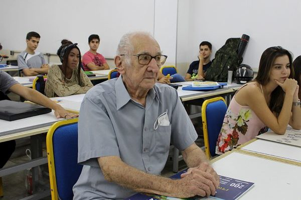 "91-year-old student stands out in Architecture and Urbanism course: ""it is a dream come true"""