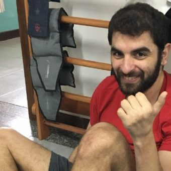 It's tetra: Instagram profile tells with good humor the challenges faced by a tetraplegic