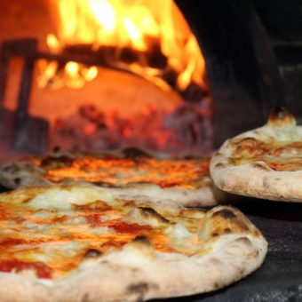 Italy hold Olympics to choose best Neapolitan pizza, and has a round in Brazil
