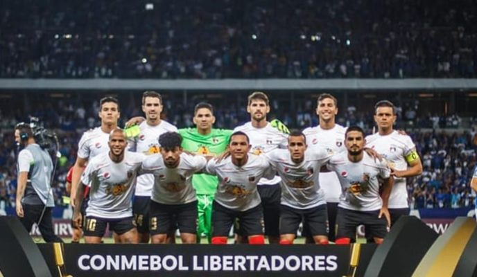 After losing match in Brazil, Venezuelan team buys a lot of canned food