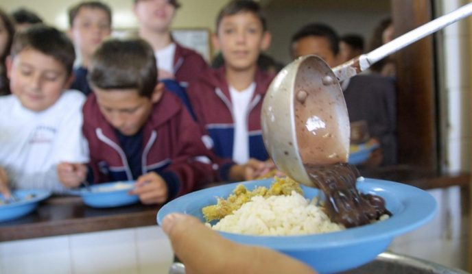 Embezzling money from Bolsa Família program and school lunches may be considered a heinous crime