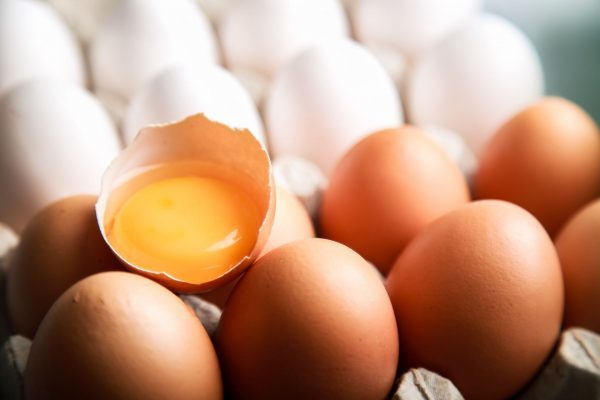 """""""Are eggs bad for you?""""; here's how to identify fake news about health"""