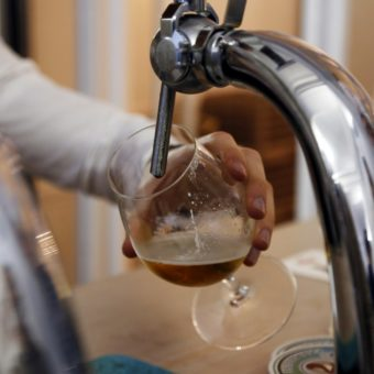 World's two biggest beer brewers in court over keg technology