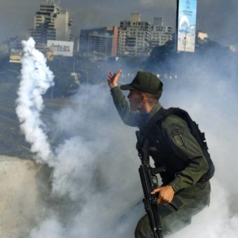 Guaidó announces support of the Venezuelan Armed Forces