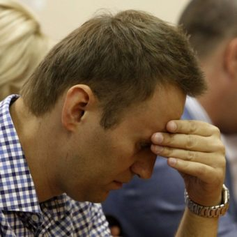 Russian opposition leader may have been poisoned in prison, says doctor