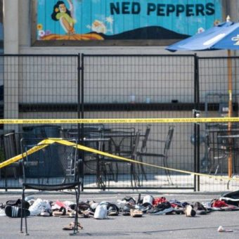 US mass shootings: 30 dead amidst accusations of xenophobia and criticism of Trump
