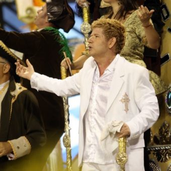 Singer Roberto Leal dies at 67