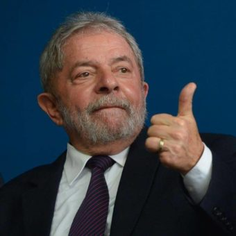 Lula bought whisky, cachaça, and oxtail with presidential card