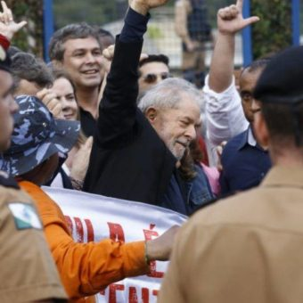 Ex-president Lula released from jail after STF decision