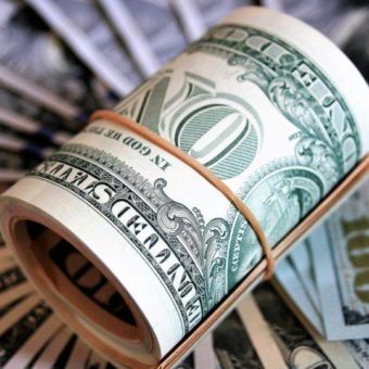 Dollar closes at R$ 4.20, highest nominal value in history