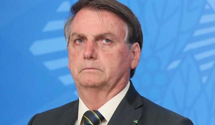 """""""We are not artificially increasing the price of the dollar,"""" says Bolsonaro"""