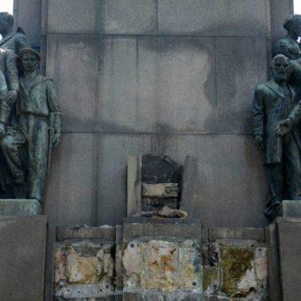 400-kilogram statue is stolen from Rio de Janeiro monument