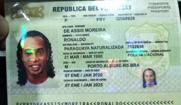 Ronaldinho Gaúcho is arrested with fake passport in Paraguay