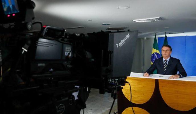 In TV address, Bolsonaro blames press and demands end of social distancing