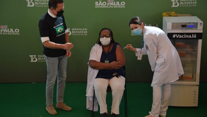 Nurse is first person to receive COVID-19 vaccine in Brazil