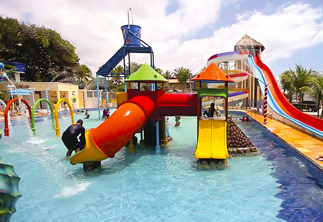 2 Passaportes para o Parque Aquático + Macarrão Penne com Camarão ao molho de ervas de R$158 por R$79,90