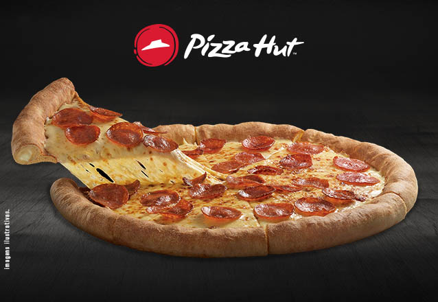 1 Pizza 8 fatias com Borda Recheada na Pizza Hut Beira Mar por R$39,90