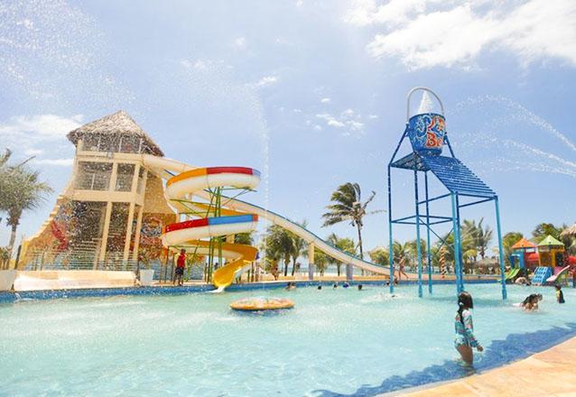 Oferta Relâmpago! 2 Passaportes para o Parque Aquático + Calabresa (300g) e Batata Frita de R$158 por R$59,90
