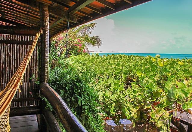 Flecheiras é o paraíso! 2 diárias para 2 adultos e 1 criança de até 5 anos + café da manhã de R$500 por R$299 na Pousada Vira Sol