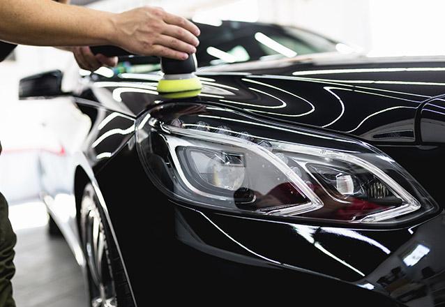 Polimento com Auto Brilho e Proteção + Aspiração + Higienização para remoção de resíduos no painel + Higienização Interna + Hidratação dos Pneus de R$90 por apenas R$25,90