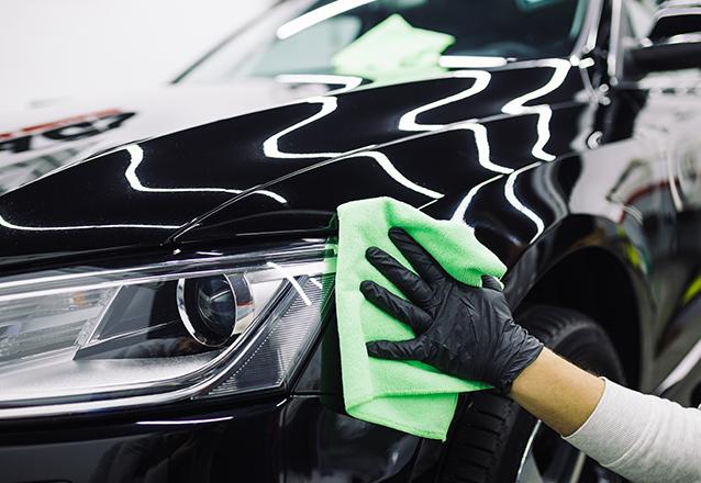 Lavagem comum (lavar + aspirar + aromatização interna) para carro pequeno ou médio porte de R$25 por apenas R$18,90